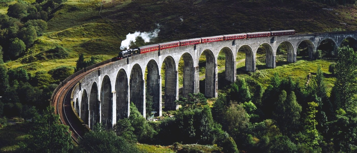 Famous train on a viaduc in Scotland - Wine Paths