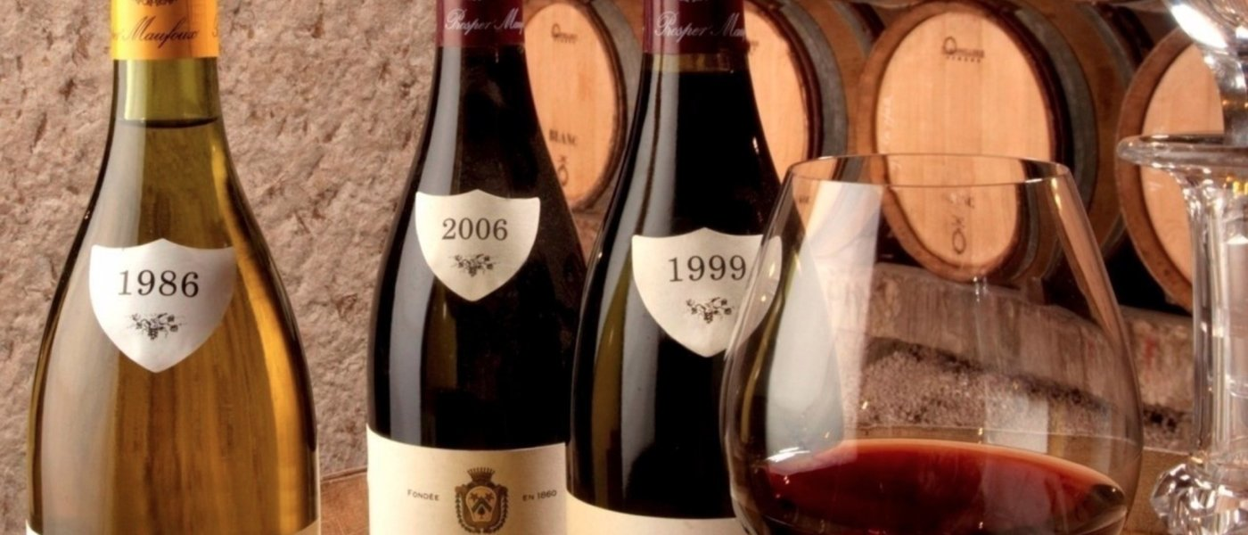Wine bottles from Burgundy - Wine Paths