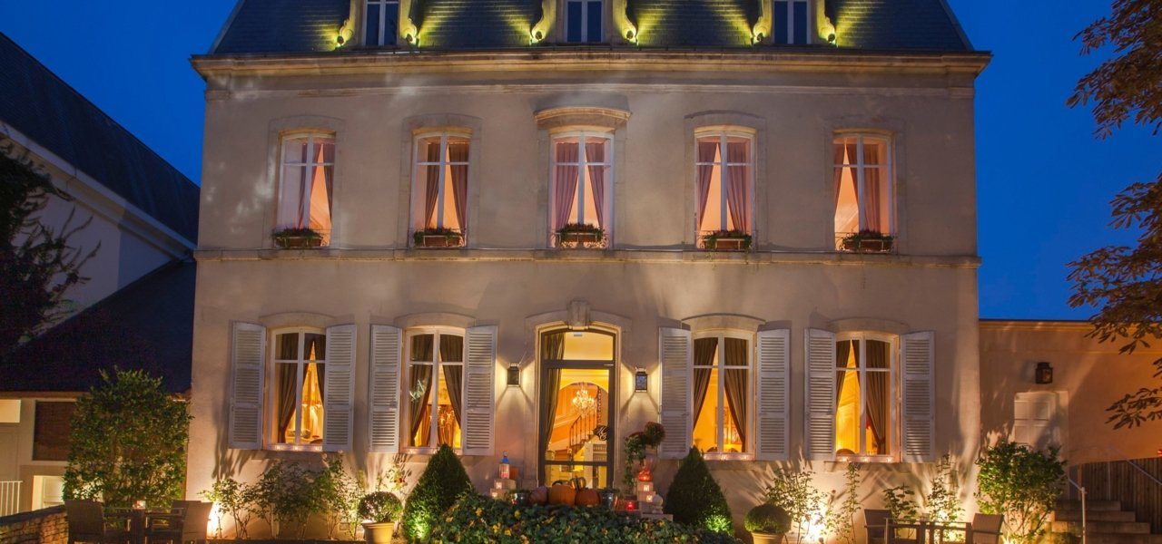 Restaurant Hostellerie Cèdre - Best restaurants in Burgundy - Wine Paths