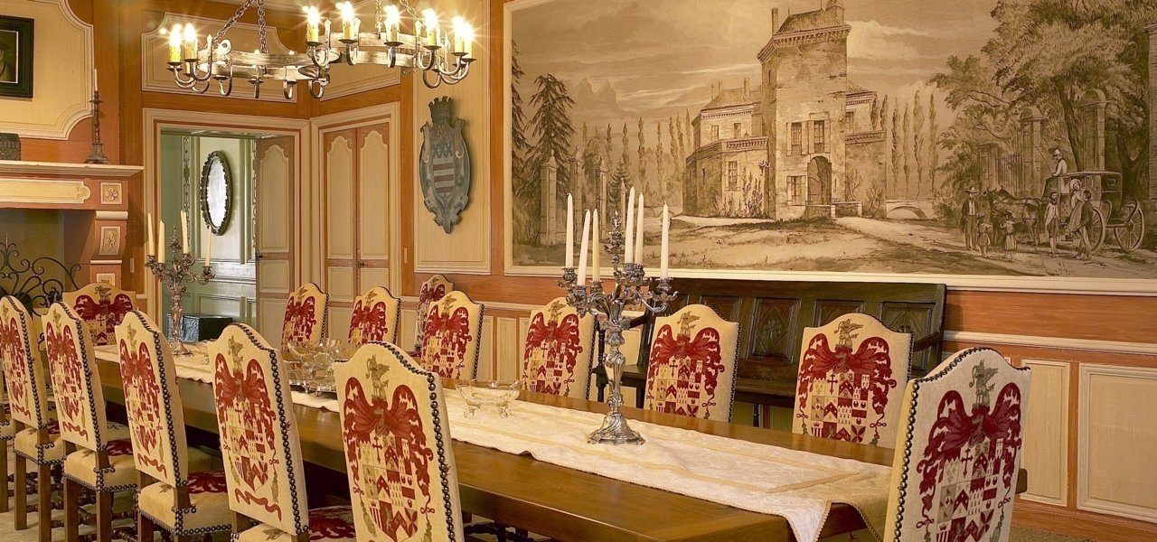 Dining room Chateau La Tour Carnet