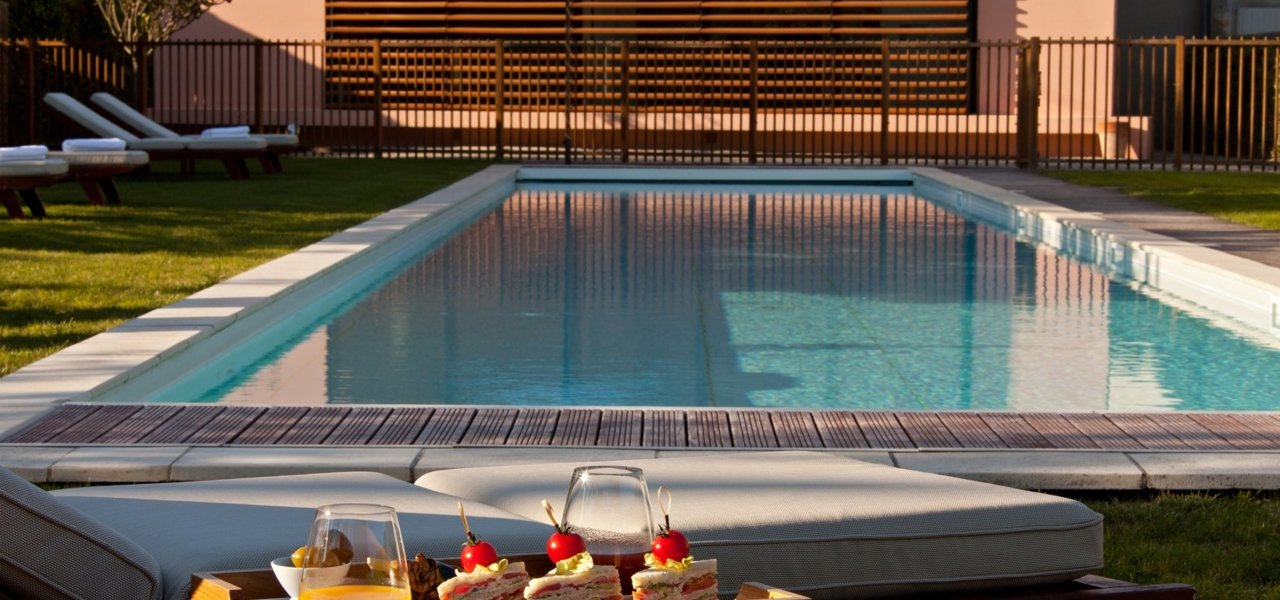 25m outdoor pool