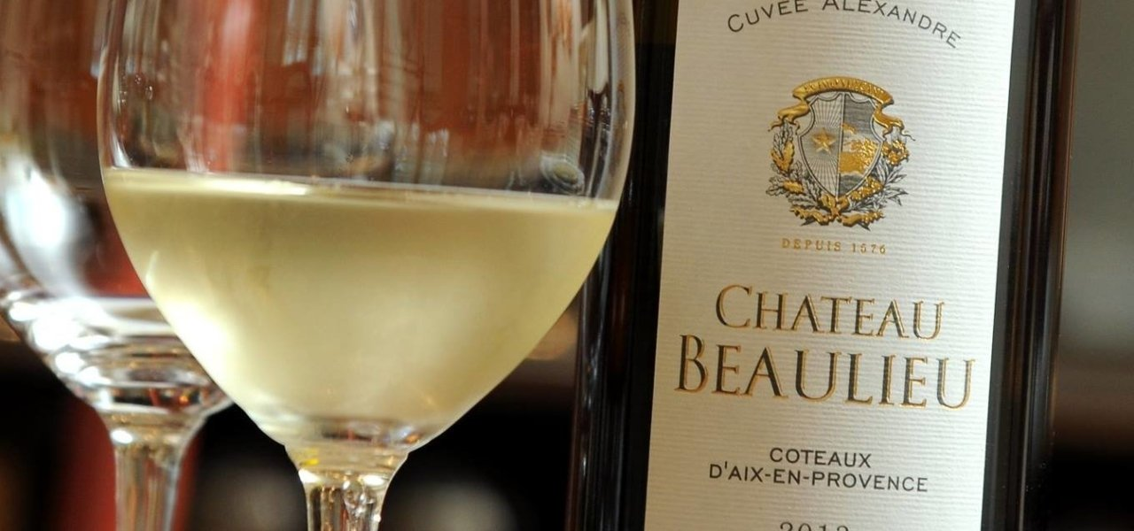 wine bottle villa baulieu