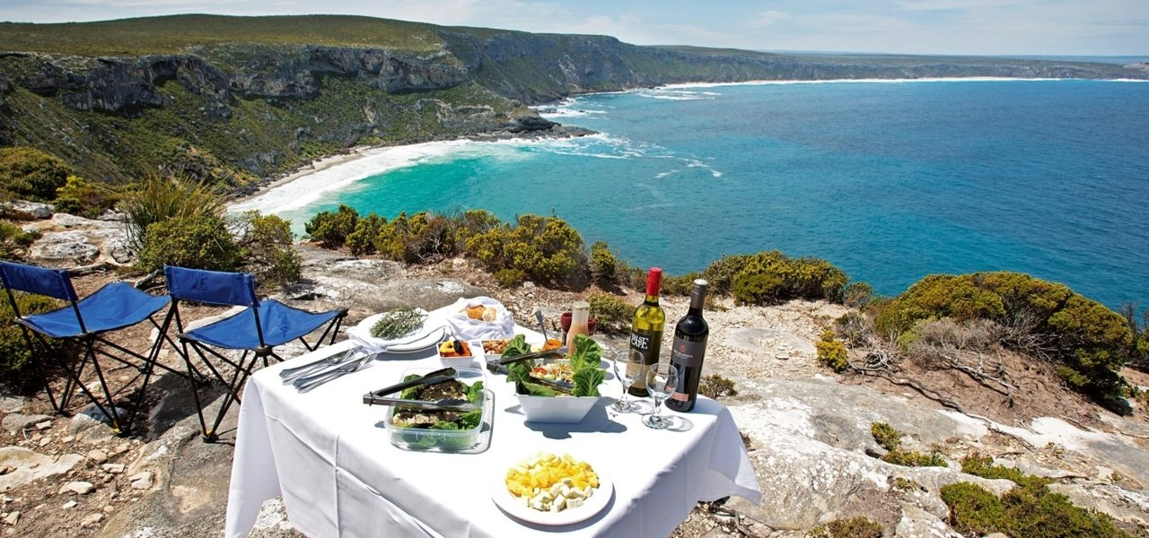 Picnic lunch on the shores of Kangaroo Island