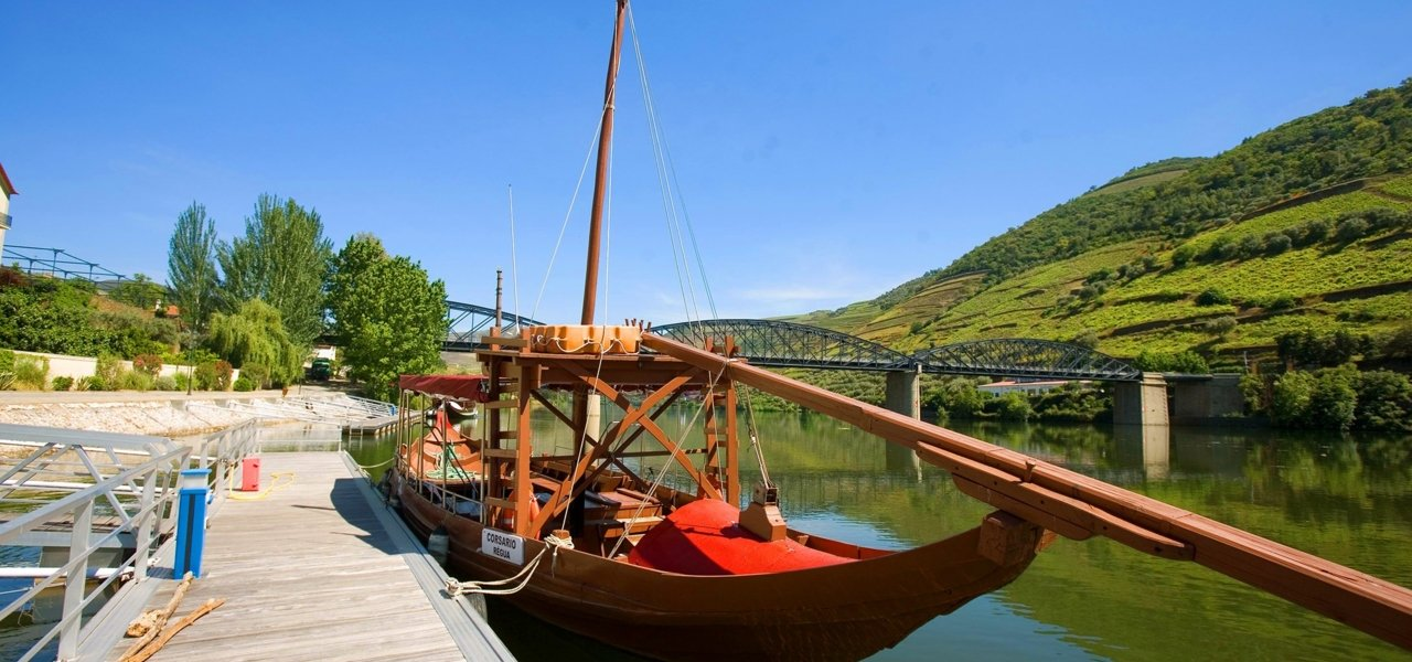 Rabelo boat cruise in Douro